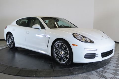 Certified Pre-Owned 2015 Porsche Panamera 4dr HB 4