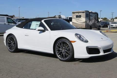 New Porsche 911 Carrera 4