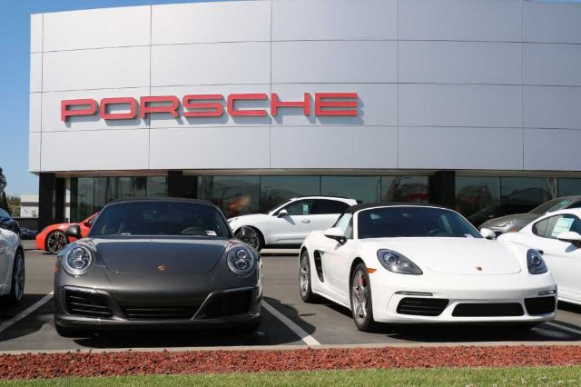 Pre-Owned 2020 Porsche 911 Carrera S Coupe