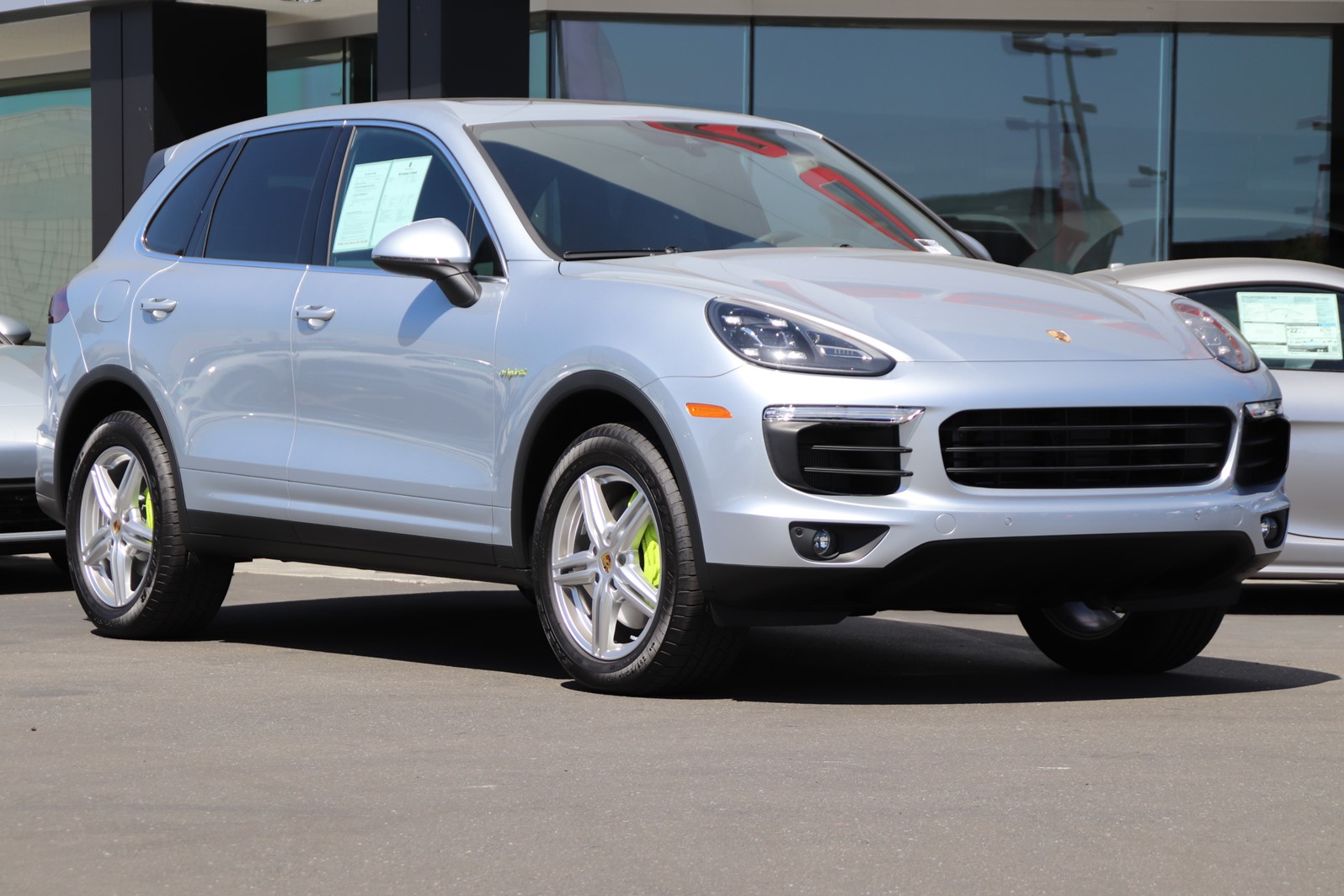 New 2018 Porsche Cayenne S E-Hybrid AWD (DEMO VEHICLE)