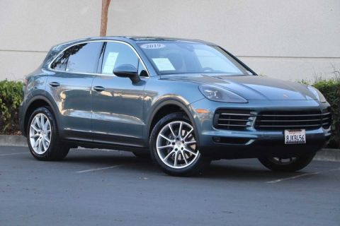 Pre-Owned 2019 Porsche Cayenne with Pano Roof, Heated & Ventilated Seats, Lane Change Assist, 20 Wheels